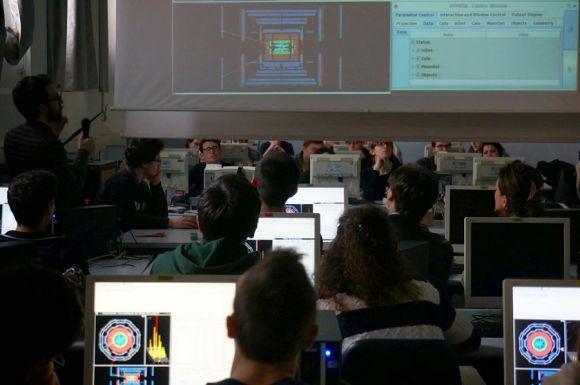 Masterclass - Istituto Nazionale di Fisica Nucleare (INFN)