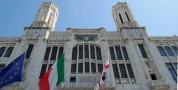 Lavori alla facciata del Palazzo Civico. Chiude al transito il tratto di via Roma fronte Municipio