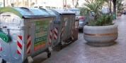 Consegna dei sacchetti per i rifiuti