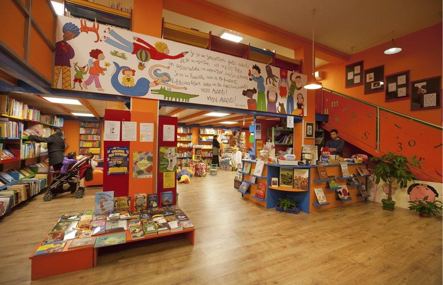 Libreria per ragazzi tuttestorie la letteratura per l for Mobile libreria per bambini